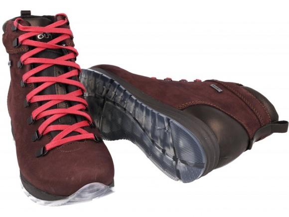 Trekkingi – najlepsze buty na zimę. Nie tylko w górach